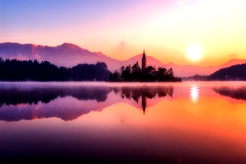 【Photoshop】逆行フィルターで夕日を作成し夕焼けを栄えさせる方法
