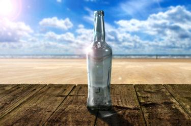 【Photoshop】ガラスボトルを透過させ光や影をつけリアルな合成を作成